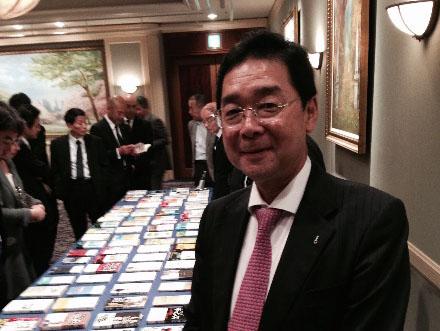 著者100冊の記念パーティーにて。東京と大阪でパーティーを行った。